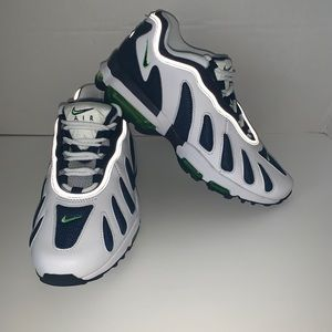 Nike Air Max 96 XX Retro Running Shoe 870165-100